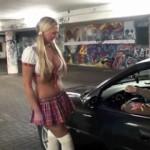 Süsses Girl 1.Tag aufm Autostrich (AO) gefickt!