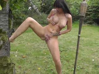 outdoor pissen in die natur gepisst