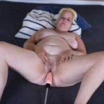 Das erste mal Fickmaschine und soft zum Orgasmus gebracht