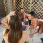 Versaute Orgie mit 4 Mädels und mehreren User-Schwänzen!Teil 1